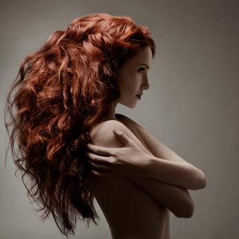 Quelles vitamines il faut boire de la chute des cheveux chez les femmes